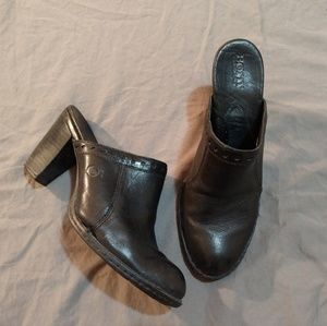 16e4f66a70b ... BORN Heeled Mule   Clogs 9 Black Leather ...
